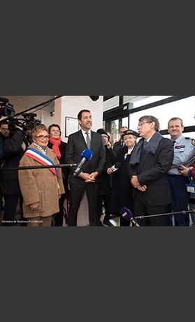 Le ministre de l'Intérieur, Christophe Castaner, au péage de Fleury-en-Bière (Seine-et-Marne) pour sensibiliser à la sécurité routière