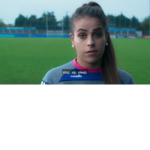 Les stars du football irlandais incitent les conducteurs à la prudence